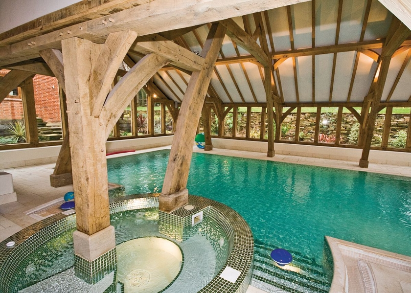 06-shared-indoor-heated-swimming-pool