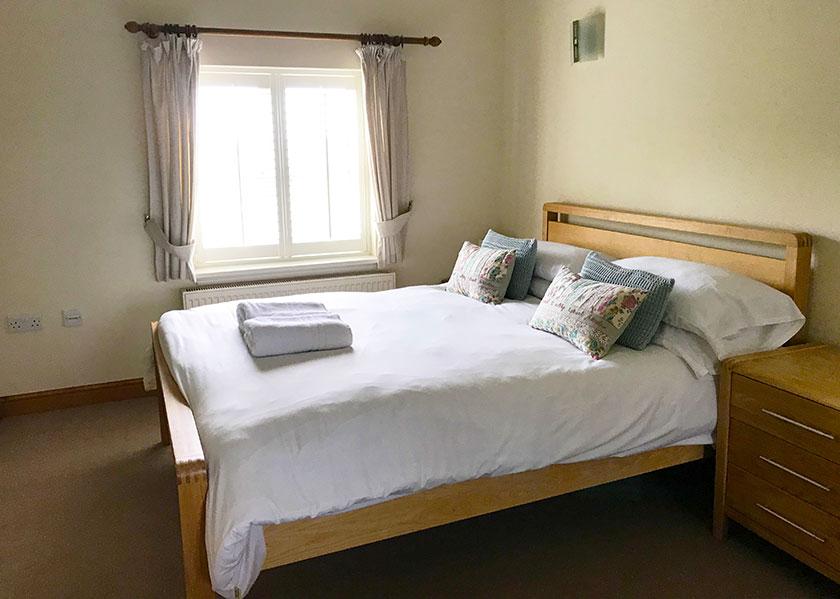 13-brankley-cottage-double bedroom