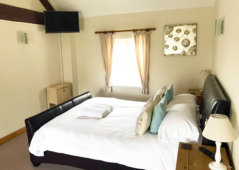 16-brankley-cottage-double bedroom-2