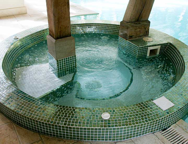 brankley-cottage-hot-tub-jacuzzi-1